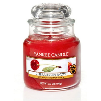 Yankee Candle ® Classic Small Jar 3.7oz - Cherries On Snow